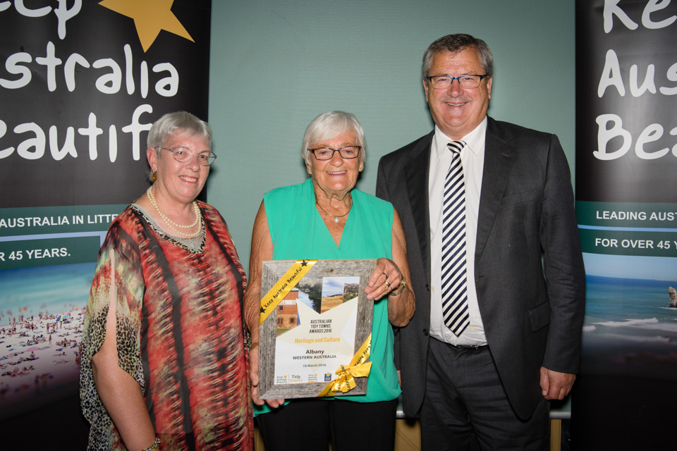 Alice Rule and Mayor Dennis Wellington accept the Heritage and Culture Award